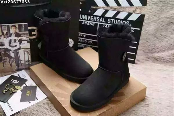 UGG Bailey Button II - Black