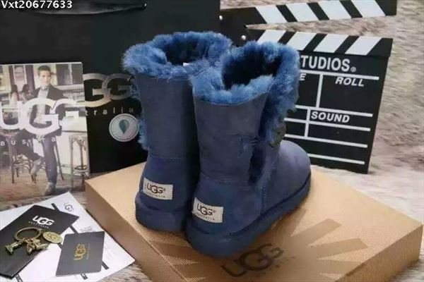 UGG Bailey Button II - Blue (2)