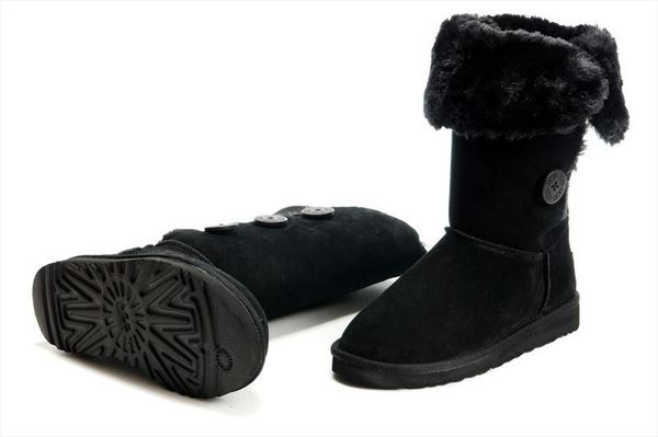 UGG Bailey Button Triplet - Black (1)